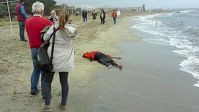 Al menos 27 muertos al naufragar dos embarcaciones de refugiados frente a las costas turcas