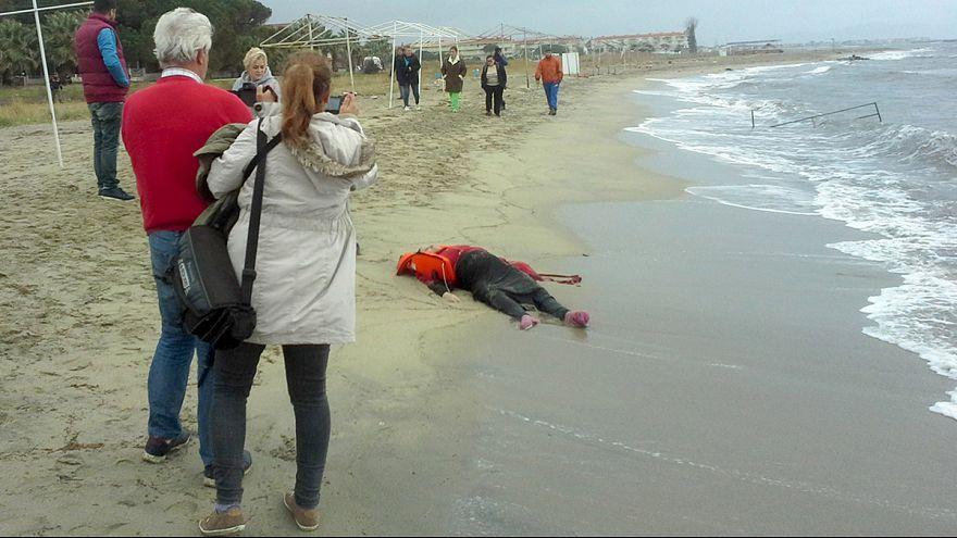 Refugiados: Primeiras tragédias do Ano no mar Egeu