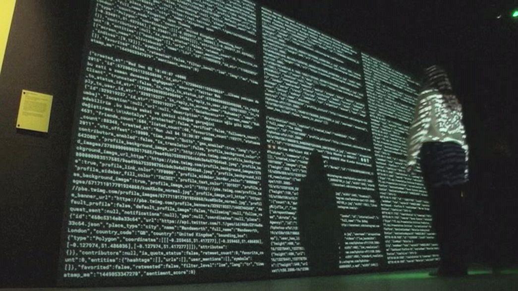 """Exposição londrina """"Big Bang Data"""" mostra explosão de dados no mundo contemporâneo"""