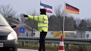 Danimarka ve İsveç'in sınır kontrolleri sığınmacı akınını azalttı