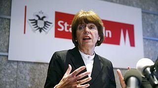 """""""Armlänge Abstand"""" - Kritik an Verhaltensregeln für Frauen in Köln"""