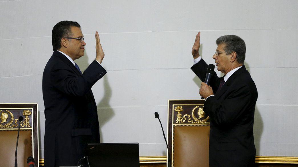 La oposición venezolana anuncia en la constitución del Parlamento su intención de acabar con el Gobierno de Maduro