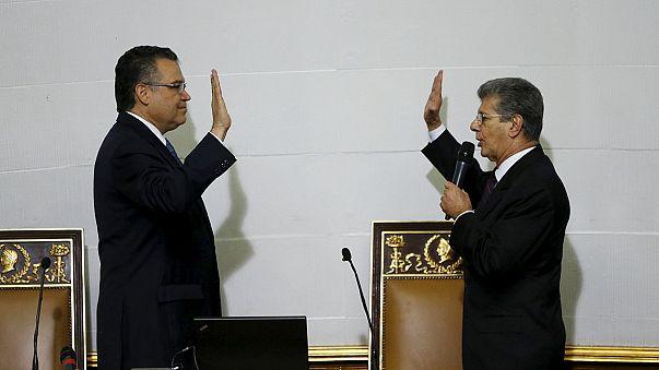المعارضة تستلم مقاليد البرلمان في أجواء مشحونة مع الحزب الحاكم