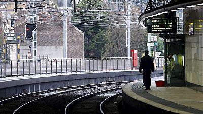 Greve dos ferroviários francófonos divide Bélgica ao meio, nos transportes e na política
