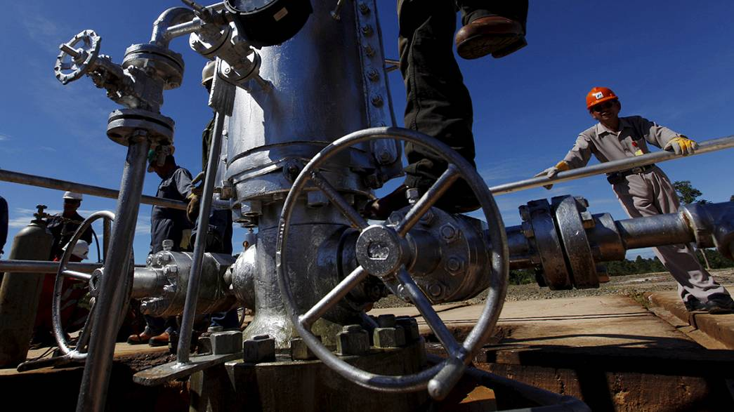 Barril de petróleo abaixo dos 35 dólares