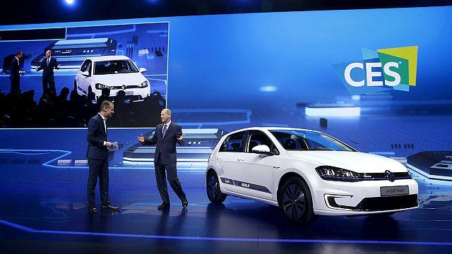 """Volkswagen показал в Лас-Вегасе """"зеленые"""" машины"""