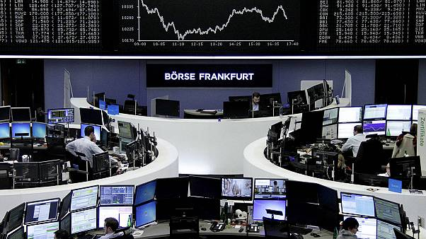 Европейские биржи открылись падением