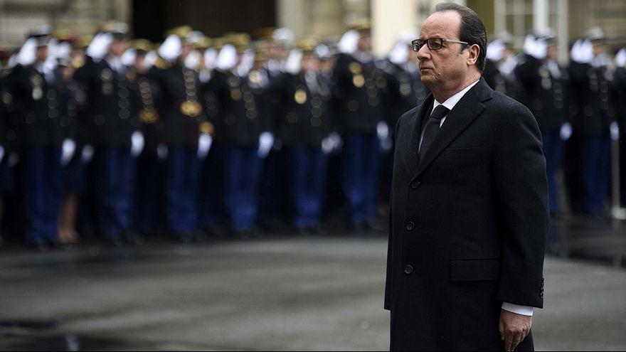 Charlie Hebdo: Um ano depois, a homenagem de Hollande às forças da ordem
