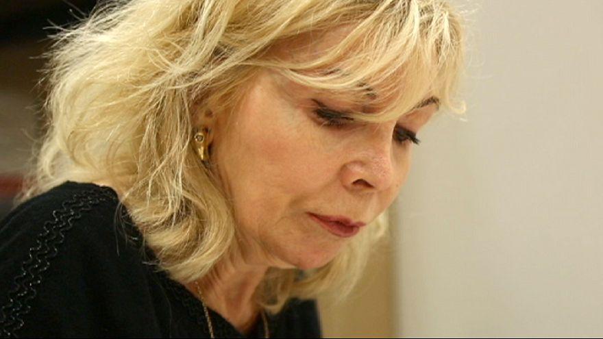 Charlie Hebdo : Maryse Wolinski nous raconte un an après