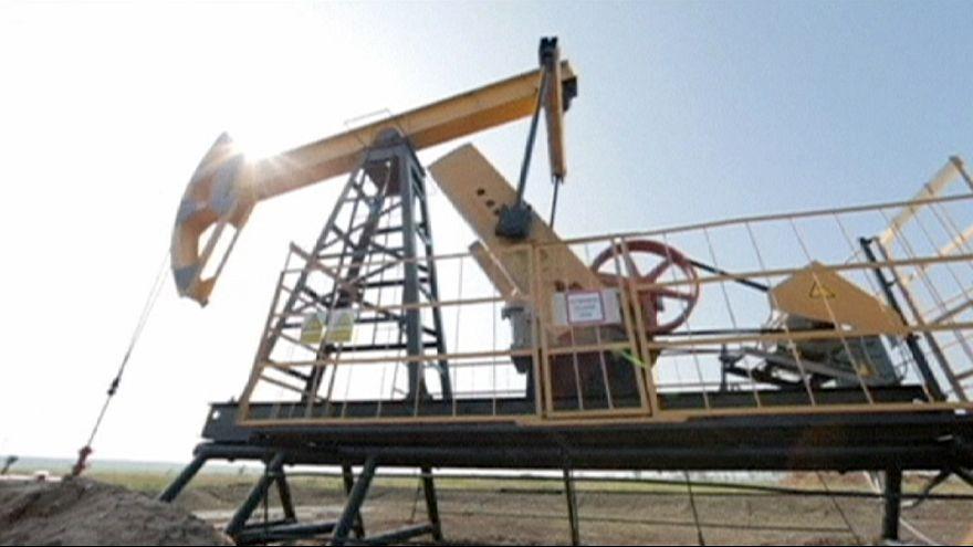 Preço do barril de petróleo em novos mínimos