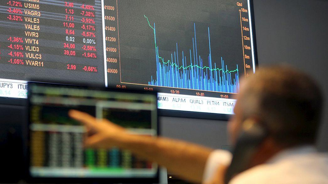 Китай устроил мировым биржам второй обвал за неделю