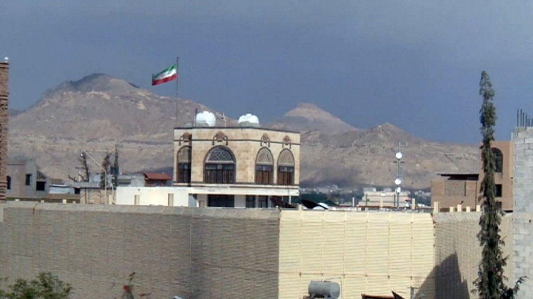Irán acusa a Arabia Saudí de atacar su embajada en Yemen y enviará un informe a la ONU