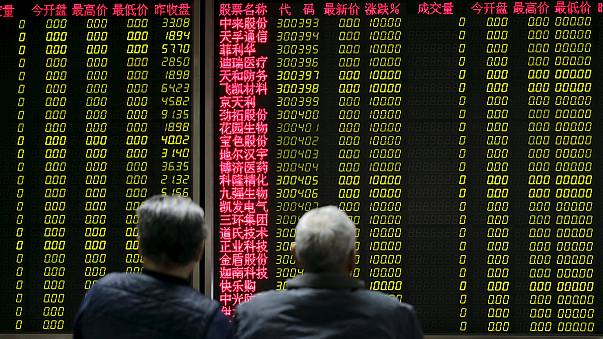 Las bolsas chinas vuelven al verde después de los fuertes desplomes y tras la paralización del mecanismo interruptor