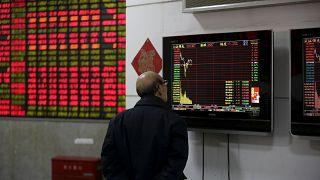 L'instabilité des places financières fait plonger les cours du pétrole