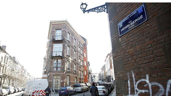 Bruxelles: trovato il covo degli attentatori di Parigi con un'impronta di Abdeslam