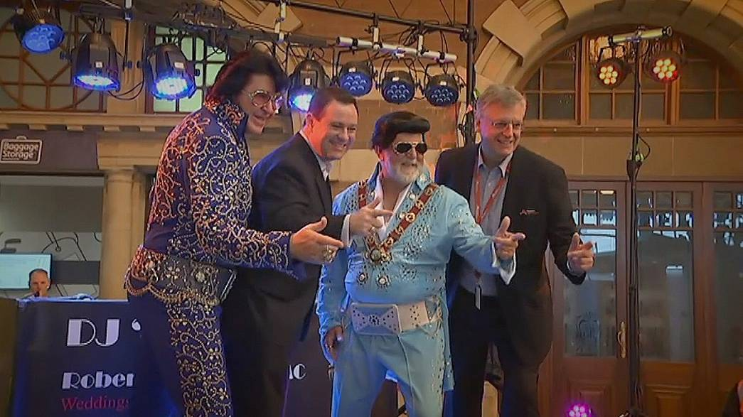 "Geburtstagsparty an Bord des ""Elvis Express"""