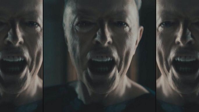 Bukalemun şarkıcı David Bowie'nin yeni albümü çıktı