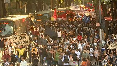 Proteste gegen Fahrpreiserhöhungen in Brasilien