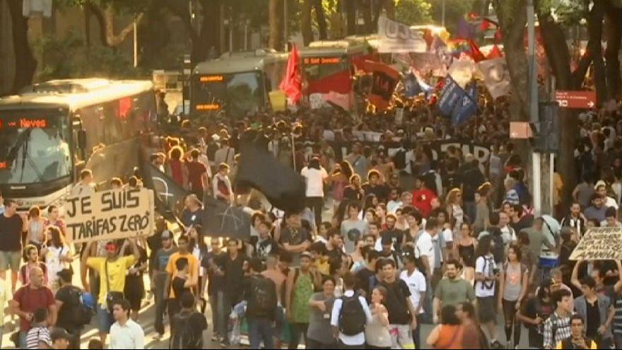 Brezilya'da toplu taşıma zammı binlerce kişiyi sokaklara döktü