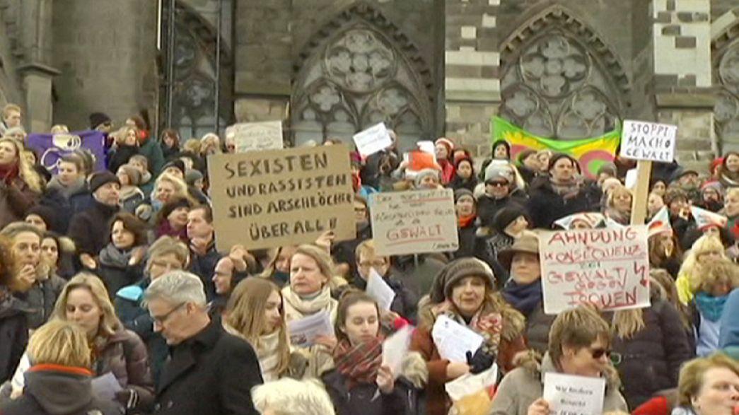 Hunderte Frauen demonstrieren in Köln gegen sexuelle Übergriffe