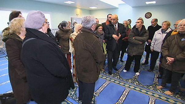 مساجد فرنسا تفتح أبوابها داعية الى المحبة والتسامح