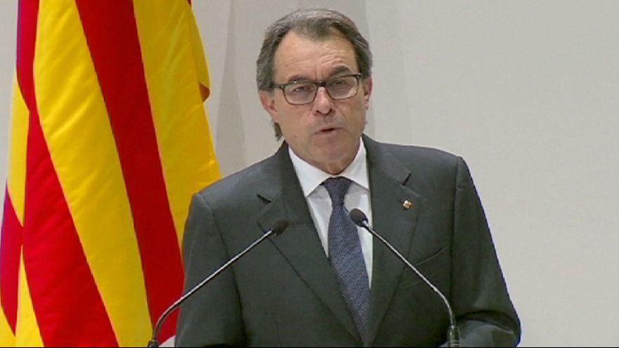 تنحي رئيس إقليم كاتالونيا شرط للاتفاق على تشكيل حكومة