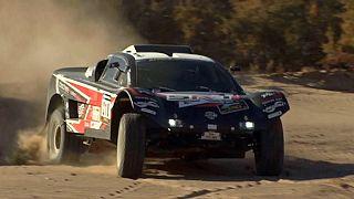 Africa Eco Race: Ουλεβαλσέτερ και Σαγκίροφ οδηγούν την κούρσα