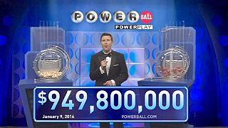 La fièvre du loto gagne les Etats-Unis avec un jackpot à plus d'un milliard de dollars