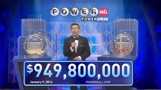 ABD'de loto devretti, beklenen ikramiye 1,3 milyar Dolar