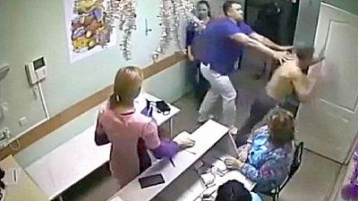 Russischer Arzt tötet Patient mit Faustschlag