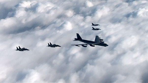 پرواز بمب افکن های آمریکایی در نزدیکی مرز کره شمالی