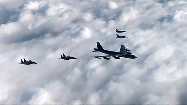 Amerikai vadászbombázó a két Korea határán