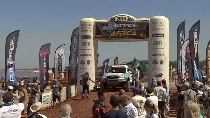 Africa Eco Race. Шибалов, Шагиров и Уллевалсеттер принимают поздравления