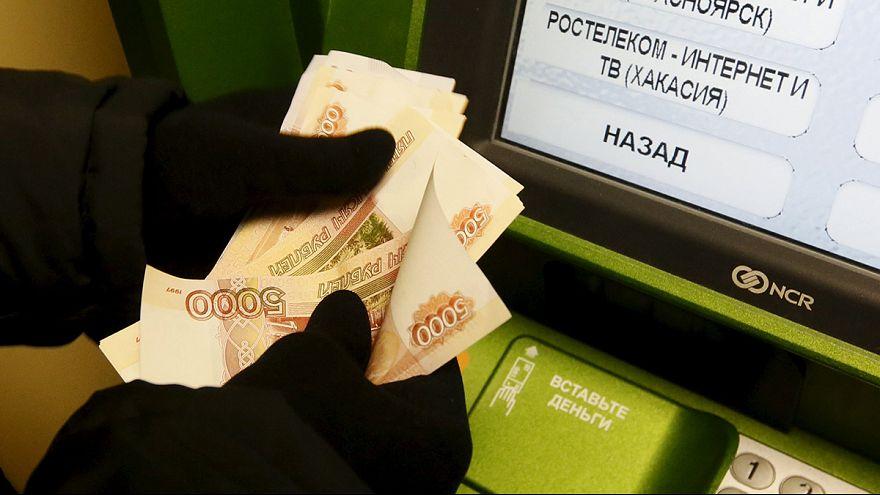 """Rusya'da vatandaş endişeli: """"Sekiz bin Ruble'ye bir ay nasıl geçiniriz?"""""""