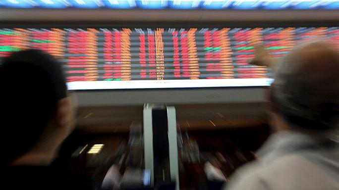 Folytatódott az eladási hullám a tőzsdéken