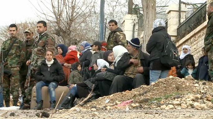 Szíria: a kiéheztetett Madayából százakat kell kimenekíteni