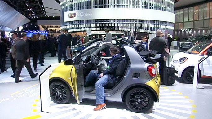 Autók közti kommunikáció a Detroit Car Show-n
