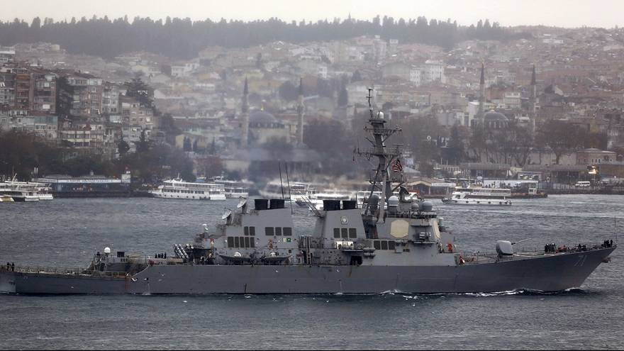 L'Iran intercepte deux navires de l'armée américaine