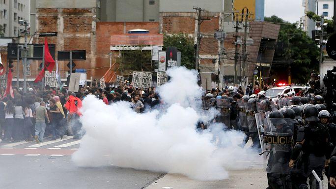 البرازيل: مشادات على هامش مظاهرة ضد ارتفاع أسعار وسائل النقل