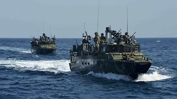 Basra Körfezi'nde ABD gemileri alıkonuldu