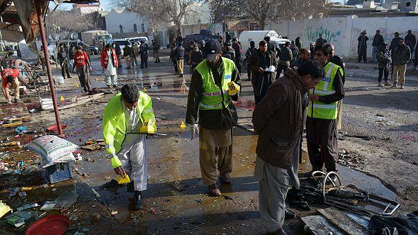 Al menos 15 muertos en Pakistán en un atentado contra un centro de vacunación