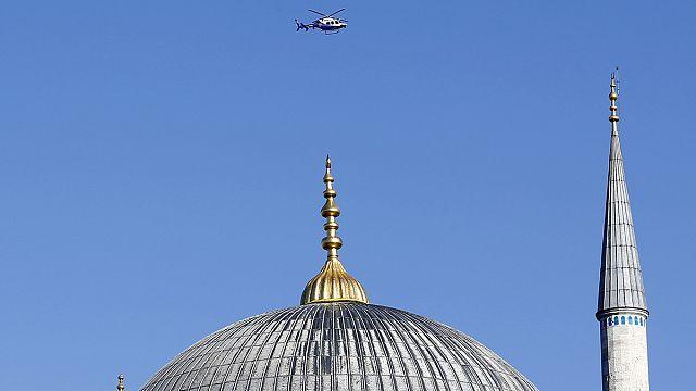 'Three Russians held' in new Turkish raids after Istanbul bomb