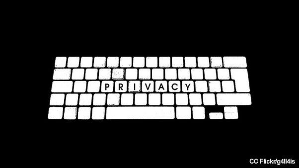 جاسوسی قانونی شرکت های اروپایی از کارکنان