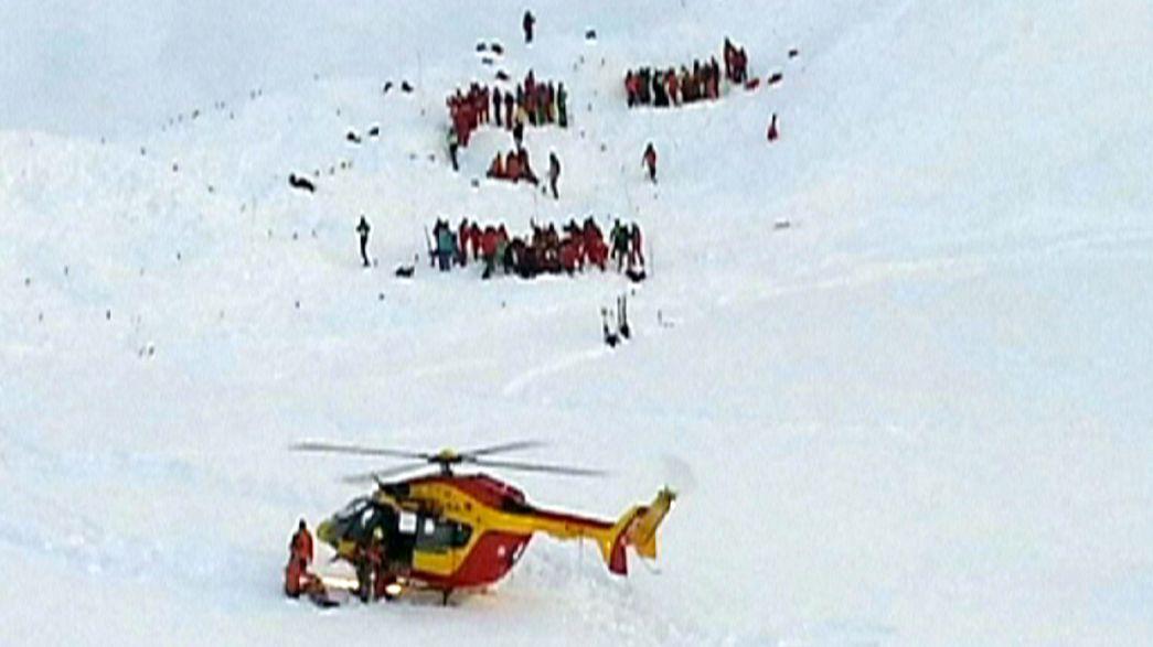 Schülergruppe in den französischen Alpen von einer Lawine mitgerissen: drei Tote