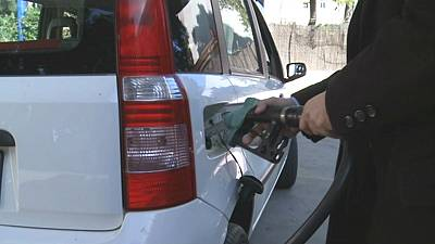 Pain at the petrol pumps for motorists despite oil prices tumbling