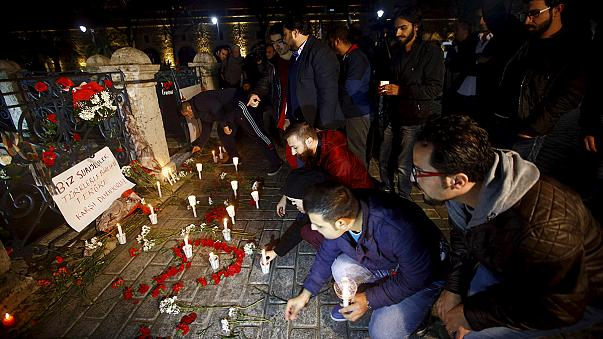 Ministro alemão presta homenagem às vítimas do atentado de Istambul