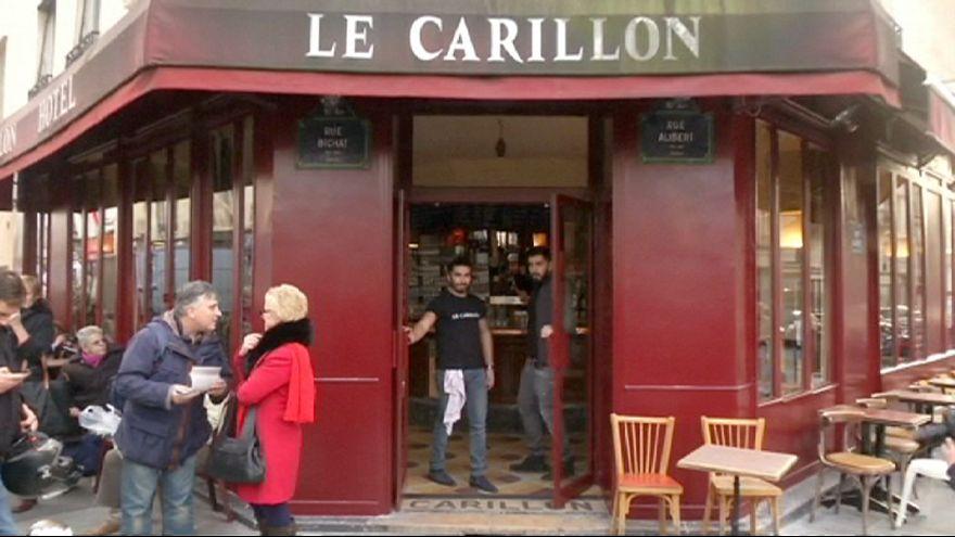 A due mesi dagli attentati di Parigi riapre il bar Le Carillon