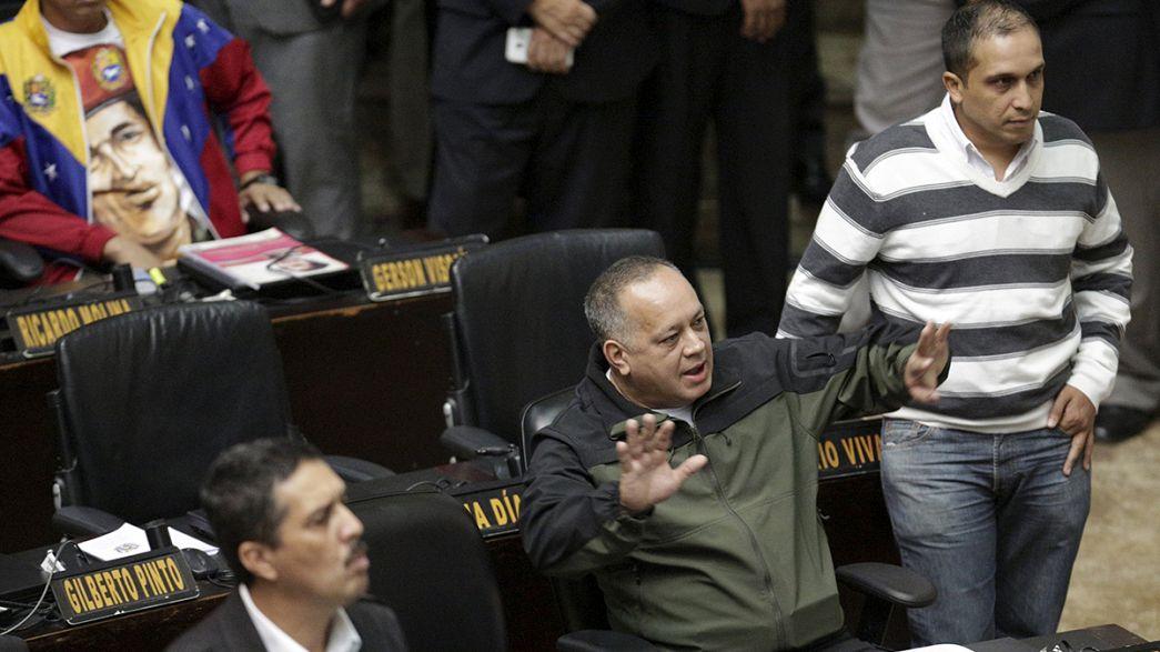 Venezuela. Opposizione rinuncia ai 3 deputati sospesi dal Tribunale Supremo