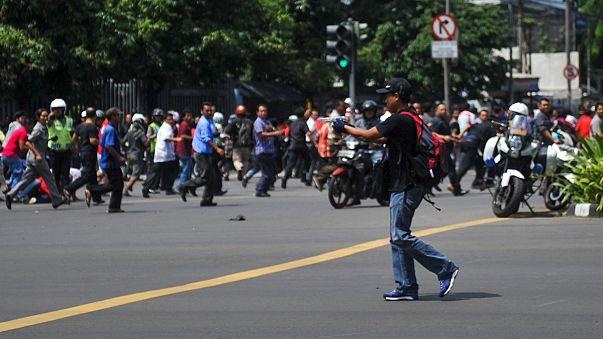 Mehrere Tote bei Anschlagsserie in Jakarta - Spur führt zur IS-Miliz