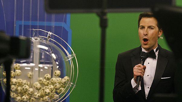 باور بول في الولايات المتحدة: 3 تذاكر تفوز بجائزة اليانصيب المقدرة قيمتها ب: 1.6 مليار دولار